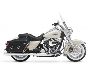 2015 Touring Road King. INTERNATIONAL ONLY